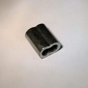 klem van kopervernkkeld materiaal om een lus in rvs kabel te persen